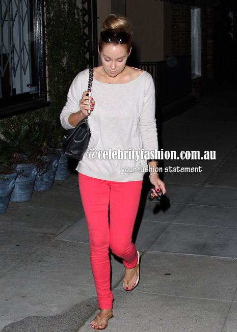 Coloured pants in red=lauen conrad